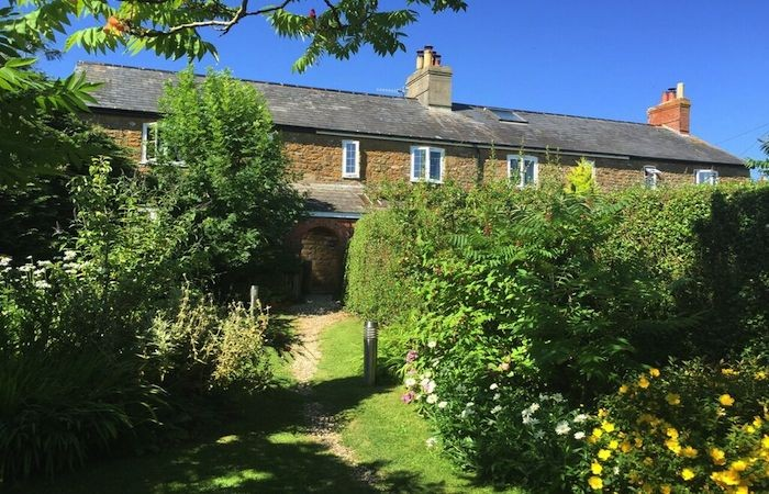 Garden Walk Buffalo Cottage District 5: Stylish, Self Catering Holiday Cottage